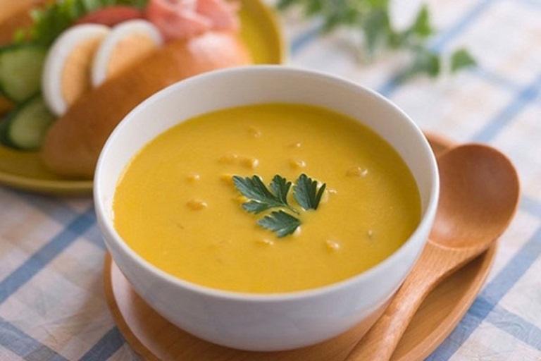 Món cháo khoai lang chống táo bón ngăn ngừa trĩ sau sinh