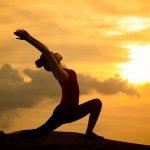 Phòng chữa bệnh trĩ bằng yoga và bấm huyệt