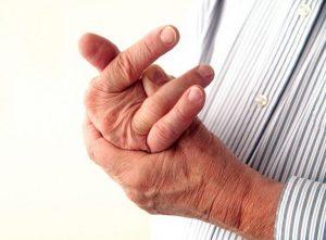 Cách khắc phục khi khớp ngón tay không được linh hoạt