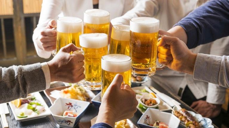 Uống bia rượu nhiều có bị bệnh Gút không?