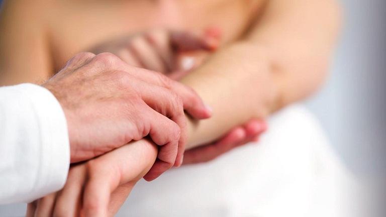 Vì sao bệnh mề đay thường xuyên tái phát?