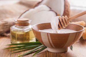 chữa viêm nang lông bằng dầu dừa