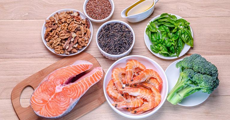 thoái hóa khớp gối nên ăn gì và kiêng gì
