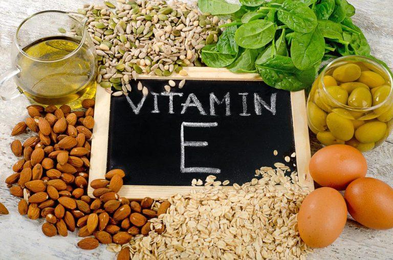 người bị viêm da cơ địa nên ăn thực phẩm chứa vitamin E