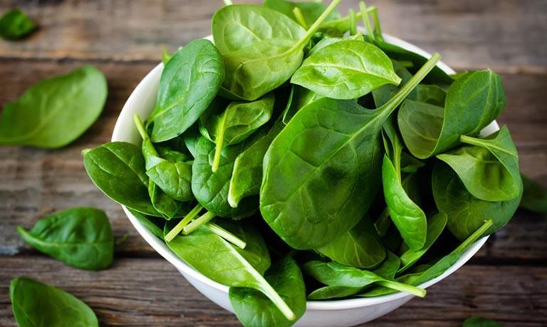 Cải bó xôi là loại rau nên được bổ sung trong chế độ ăn của đàn ông yếu sinh lý