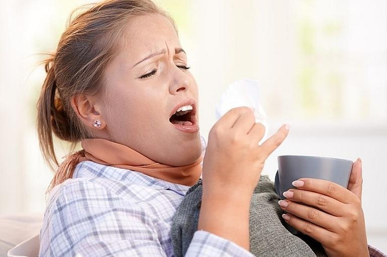 Triệu chứng nhân biết phụ nữ mang thai bị viêm mũi dị ứng