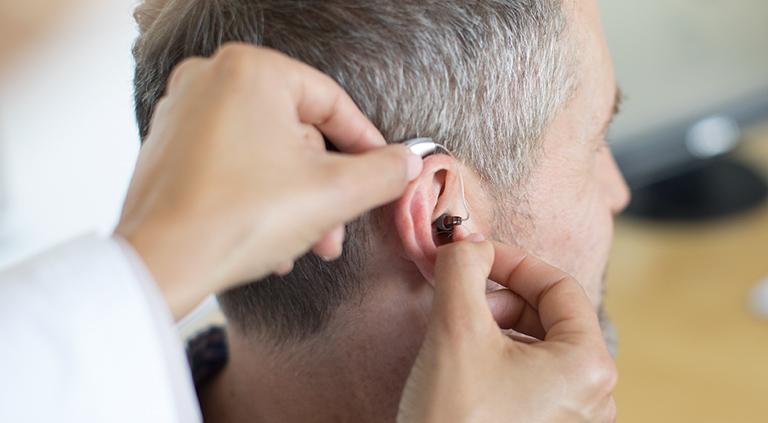 Dấu hiệu viêm tai ngoài