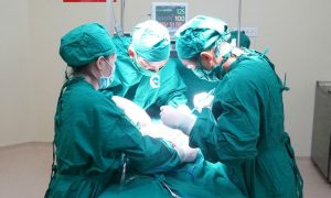 điều trị vôi hóa cột sống