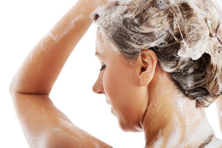 Cách chăm sóc khi bị bệnh á sừng ở da đầu