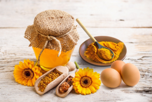 Sự kết hợp giữa mật ong và bột nghệ giúp cải thiện rõ rệt tình trạng đau dạ dày của nhiều người.