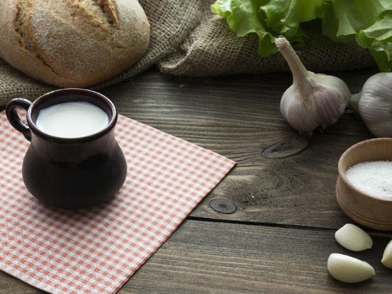 Cách trị ho bằng tỏi và sữa