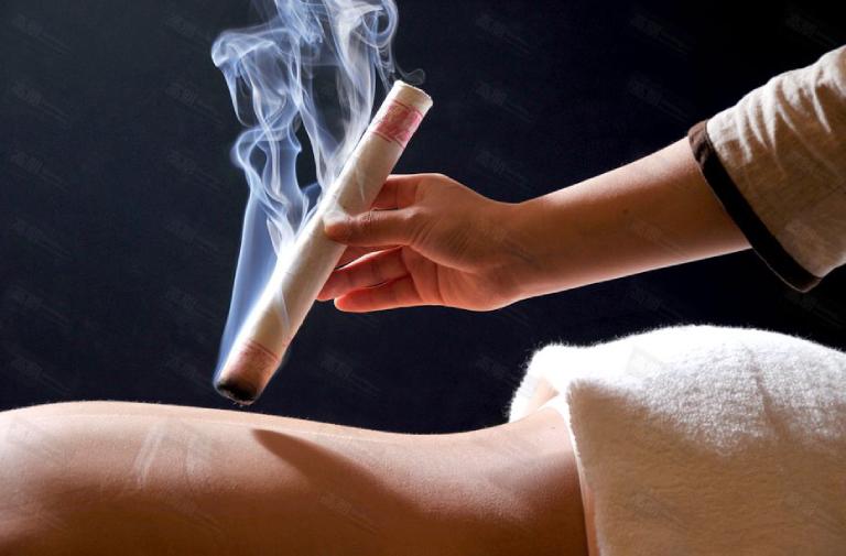 Có thể sử dụng điếu ngải để điều trị thoát vị đĩa đệm.