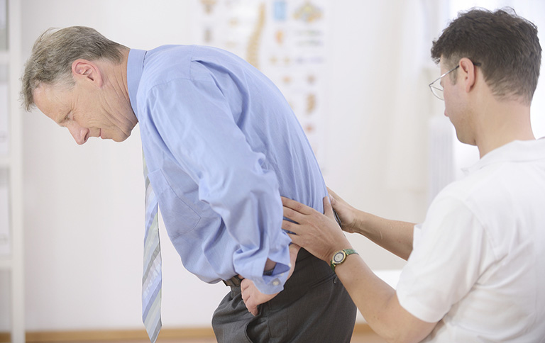 chăm sóc bệnh nhân bị thoái hóa cột sống thắt lưng