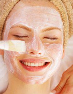 chữa dị ứng da mặt bằng sữa chua