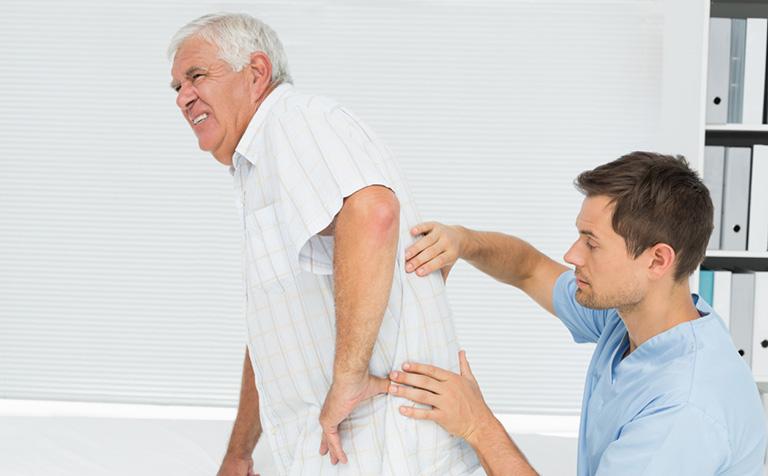 chữa đau dây thần kinh tọa ở người già