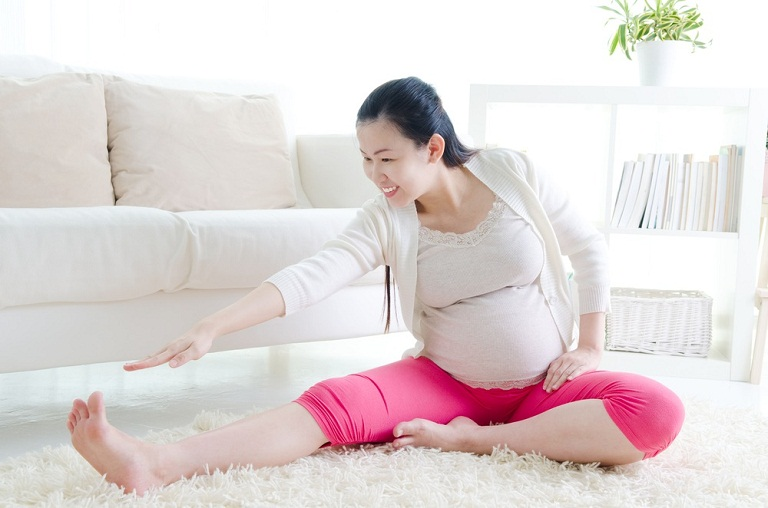 Chăm sóc bệnh nhân đau khớp háng khi mang thai 3 tháng đầu