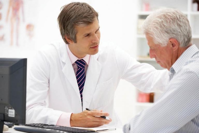 Khi có dấu hiệu của bệnh nên đến gặp bắc sĩ để được kiểm tra và điều trị