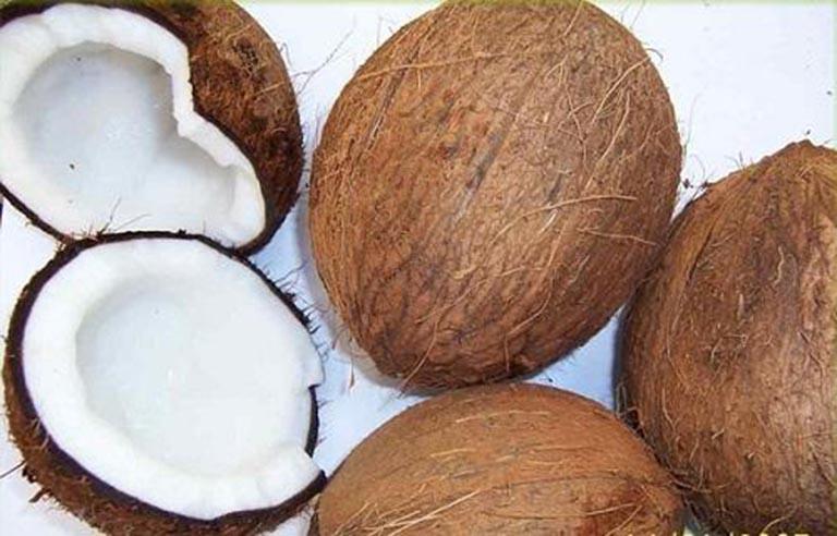 Gáo dừa cũng có tác dụng trị hắc lào ở vùng kín