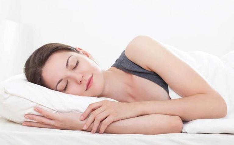 cần làm gì khi bị khó ngủ