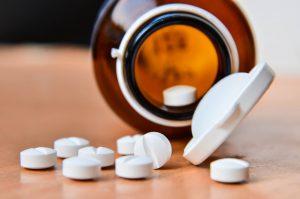 tràn dịch khớp gối uống thuốc