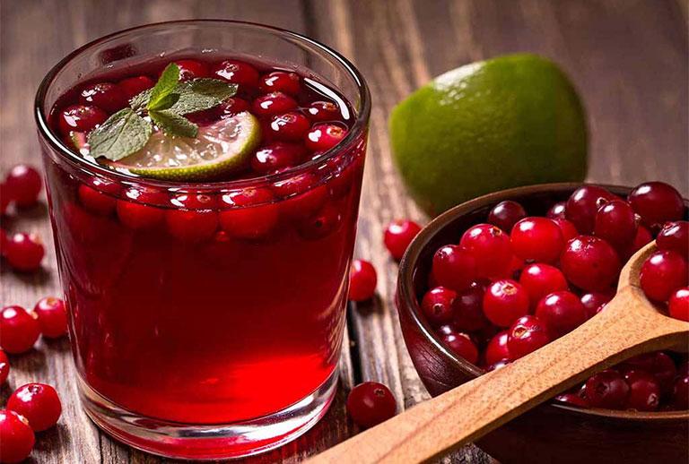 Nước ép nam việt quất tốt cho người viêm đường tiết niệu