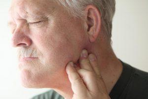 triệu chứng viêm khớp thái dương hàm