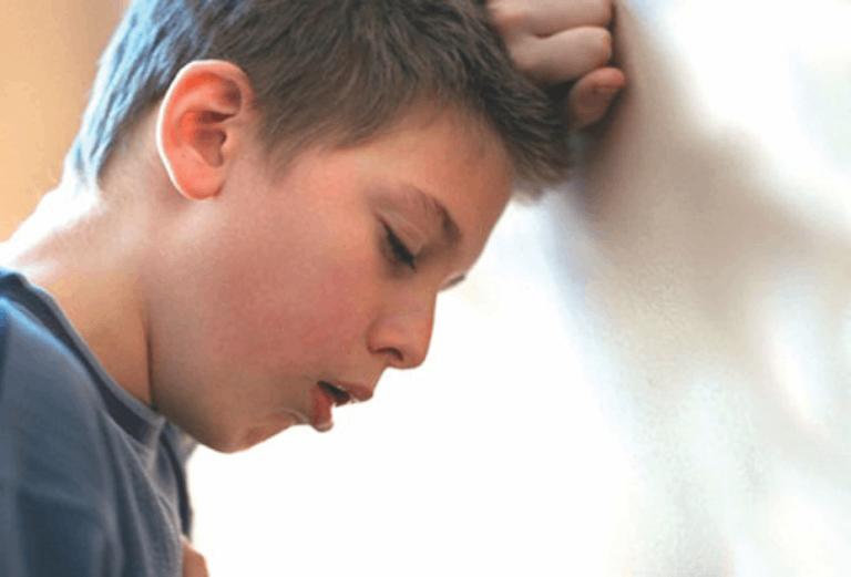 Ho kéo dài dai dẳng, không khỏi là triệu chứng thường gặp của bệnh