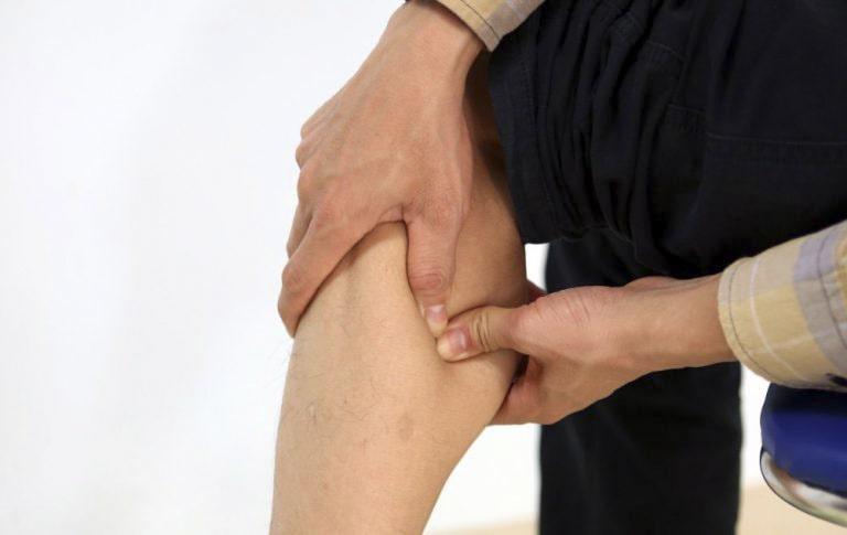 Bấm huyệt là phương pháp sử dụng bàn tay, ngón tay để tác động lên các huyệt vị