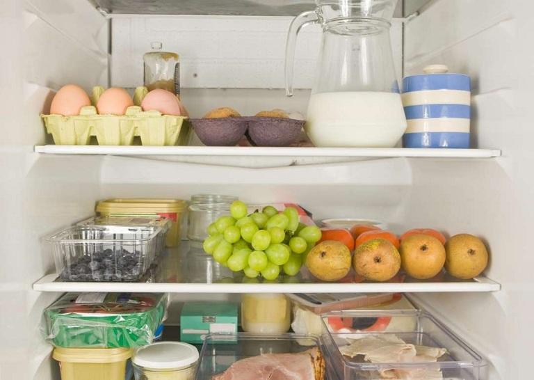 Bà bầu nên kiêng ăn thực phẩm để lâu ngày trong tủ lạnh