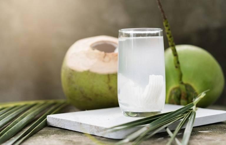 Nước dừa giúp bổ sung các Ion khoáng chất cần thiết và làm mát cơ thể