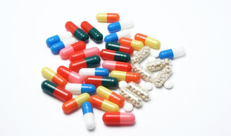 Bệnh nhân thủy đậu thường được bác sĩ chỉ định uống một số loại thuốc kháng sinh, thuốc chống viêm và thuốc giảm đau.