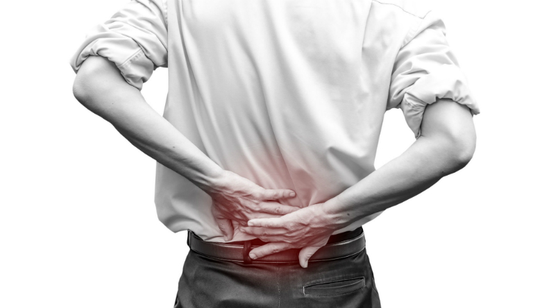 Bệnh nhân mắc chứng gai cột sống thường sẽ thấy đau nhức ở cột sống ở vùng thắt lưng hoặc cổ, tê bì tứ chi, giảm khả năng vận động, mất thăng bằng,...