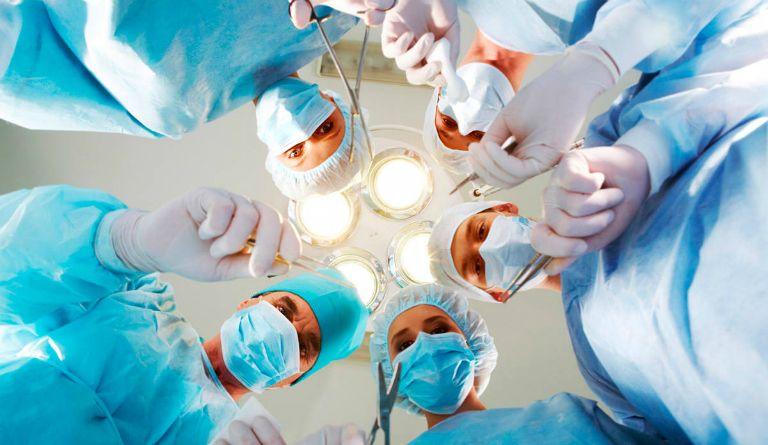 Phẫu thuật không thể điều trị dứt điểm chứng gai cột sống.