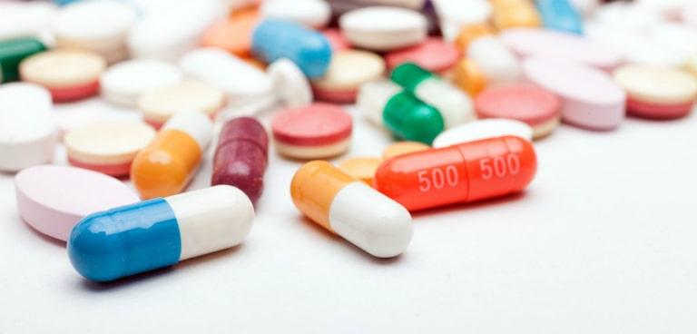Bệnh nhân mắc bệnh lậu nên dùng thuốc Tây điều trị bệnh.