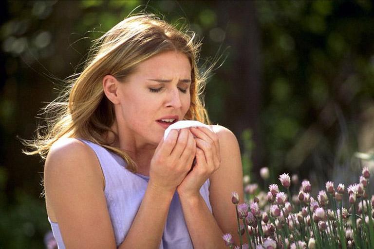 Dấu hiệu dị ứng phấn hoa