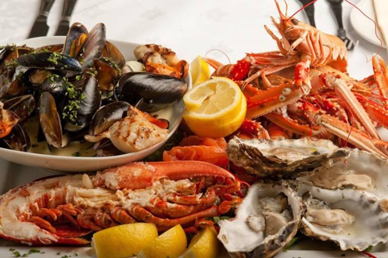 Có rất nhiều nguyên nhân gây dị ứng hải sản