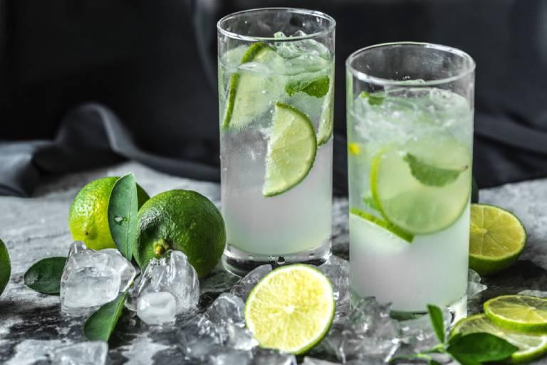 Uống nước chanh tươi khi bị dị ứng hải sản