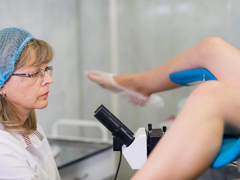 Điều trị viêm lộ tuyến cổ tử cung cấp độ 2 bằng phương pháp ngoại khoa