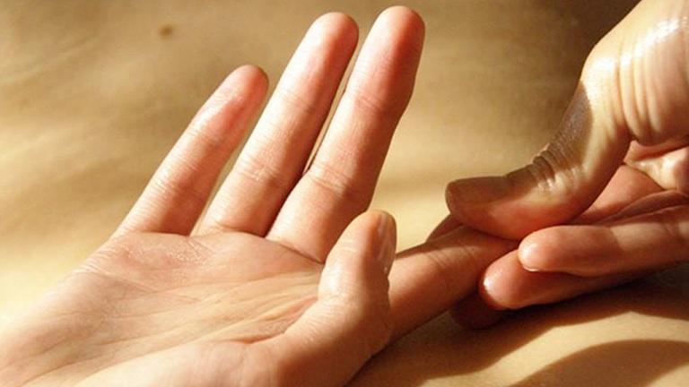 Hiện tượng tê đầu ngón tay