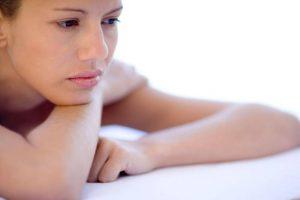 Tình trạng huyết trắng có mùi hôi khi mang thai cũng rất đáng lo