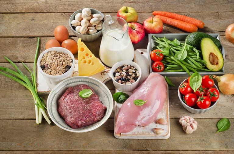 Nên bổ sung nhiều vitamin và dưỡng chất cần thiết