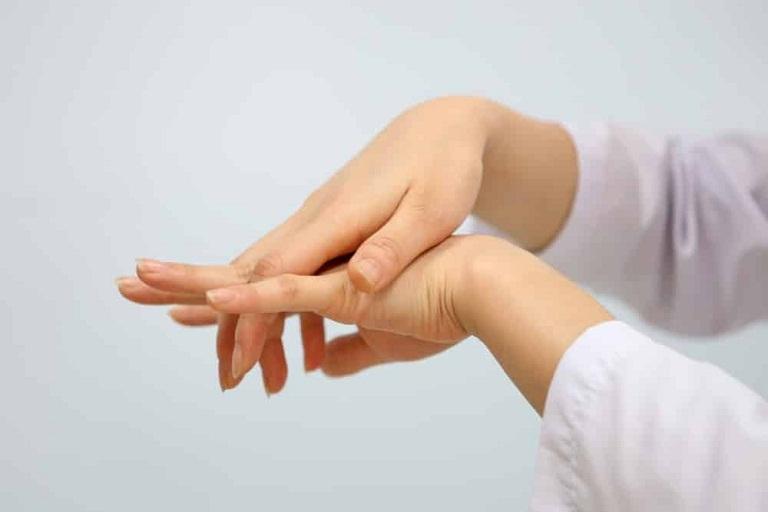 Bị tê tay khi mang thai