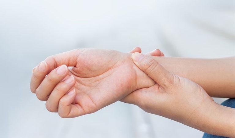 mổ hội chứng ống cổ tay bao lâu lành