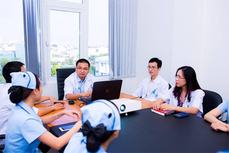 Đội ngũ y bác sĩ phòng khám đa khoa pasteur