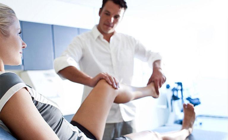 chăm sóc bệnh nhân thay khớp háng