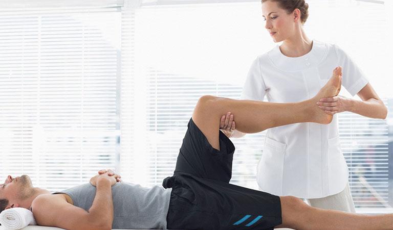 phục hồi chức năng sau khi thay khớp háng
