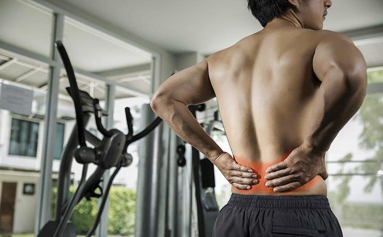 bị đau lưng dưới khi tập Gym