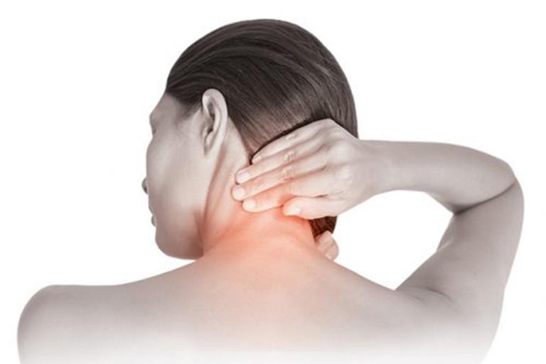 Thoái hóa đốt sống cổ gây đau nhức, ảnh hưởng đến đời sống của người bệnh