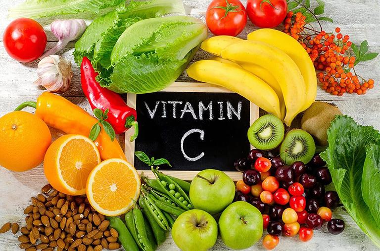 Nhóm thực phẩm giàu vitamin C có tác dụng tốt cho người bị giời leo