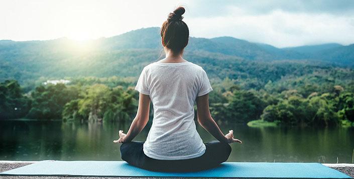 Tập yoga thiền rất tốt để phòng tránh và hỗ trợ điều trị thoái hóa đốt sống cổ gây thiếu máu não